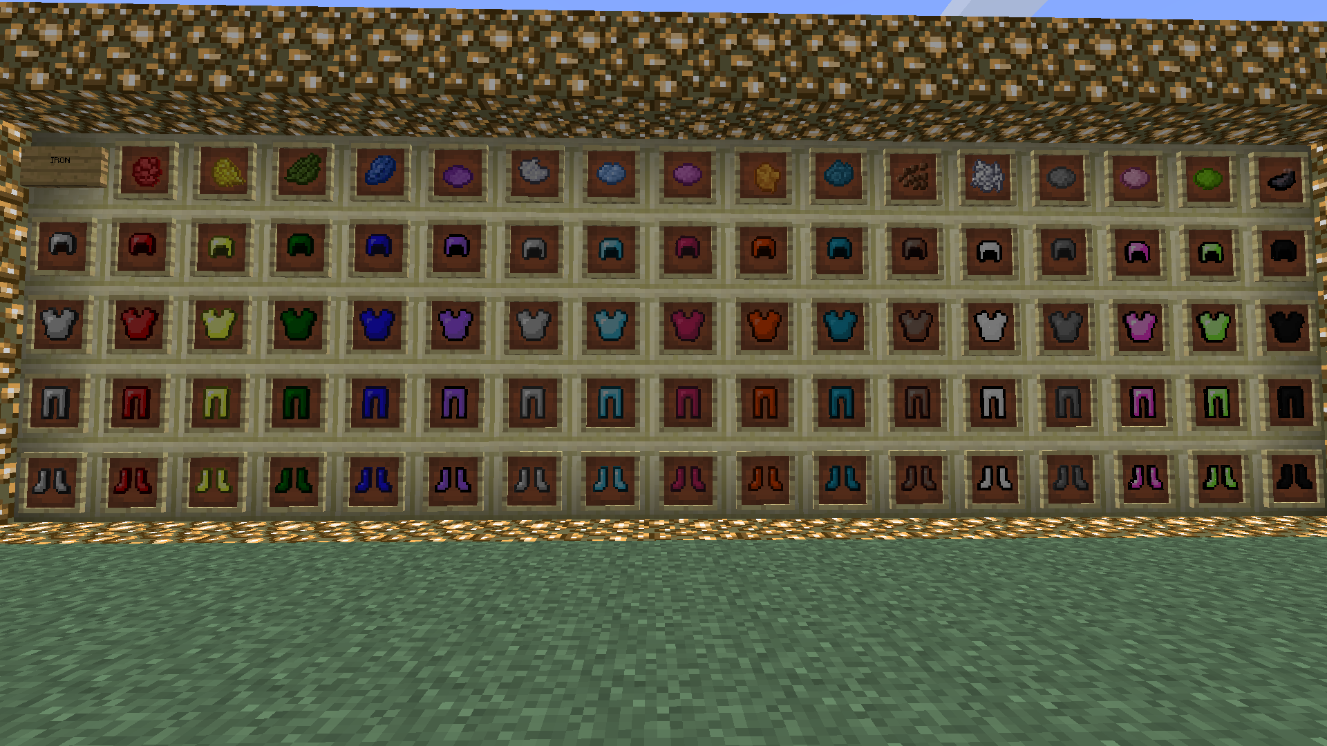 http://cdn.file-minecraft.com/Mods/Colorful-Armor-Mod-2.png