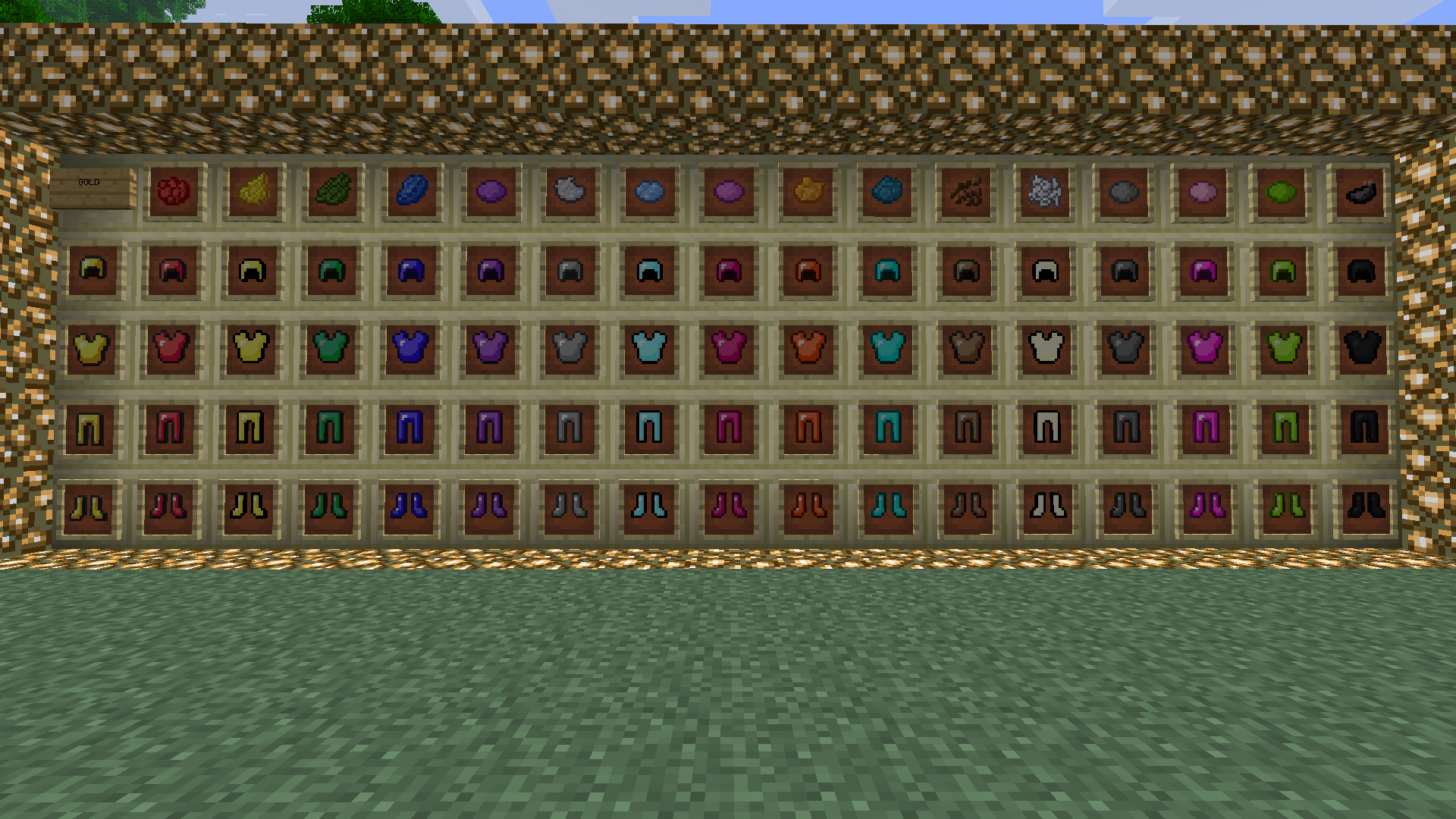 http://cdn.file-minecraft.com/Mods/Colorful-Armor-Mod-3.png