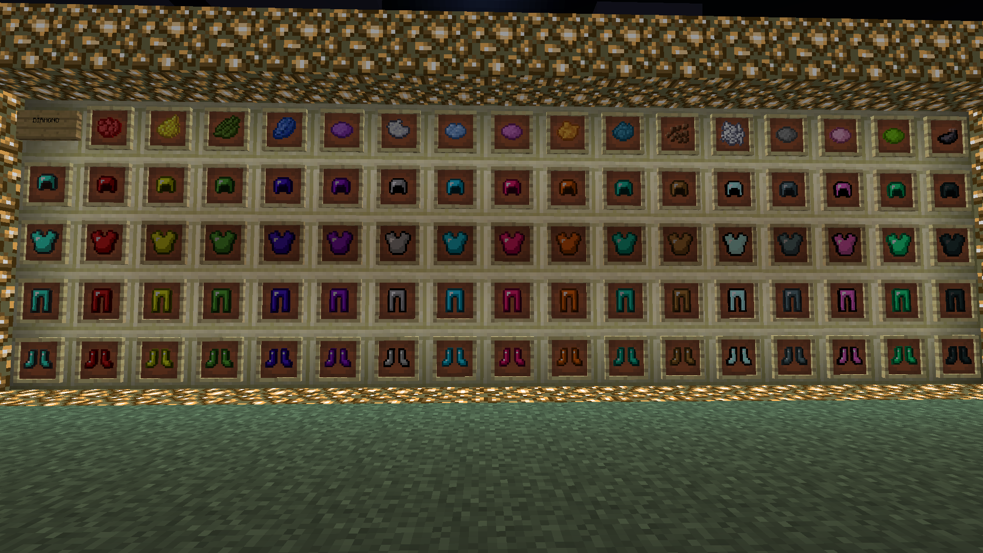 http://cdn.file-minecraft.com/Mods/Colorful-Armor-Mod-4.png